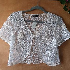 Scalloped Lace Shrug Size 2XL